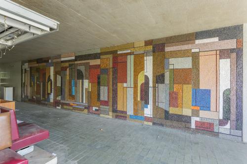 Szentendréhez közel állítják fel a nagyméretű Barcsay mozaikokat