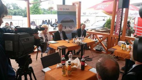 Rendszeresen ellenőrzik a vízminőséget a Dunakanyar strandjainál