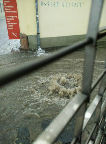 Hatalmas eső zúdult tegnap Szentendrére