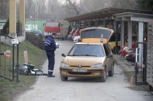 Rendőrök helyszíneltek a szentendrei tűzoltóságon
