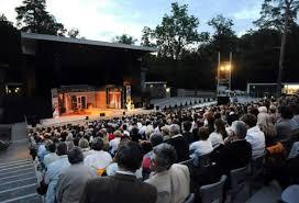 Két világhírű darab érkezik a Szentendrei Teátrum színpadára