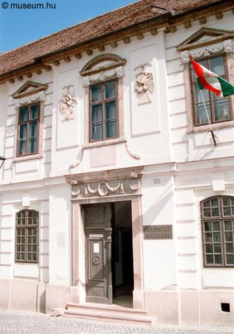 Új kiállítás a Ferenczy Múzeumban